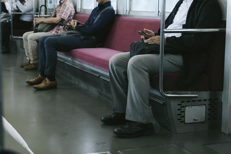 「座席」に関する迷惑行為