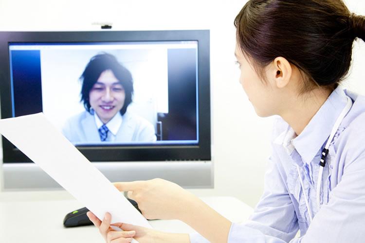 テレビ会議などのテクノロジーの導入への積極性が違う
