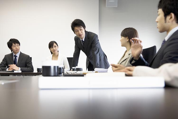 少なく、効率的に、が海外企業のミーティング
