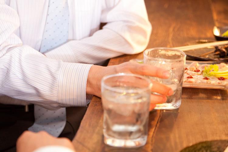 お酒を注ぐことに関する違い