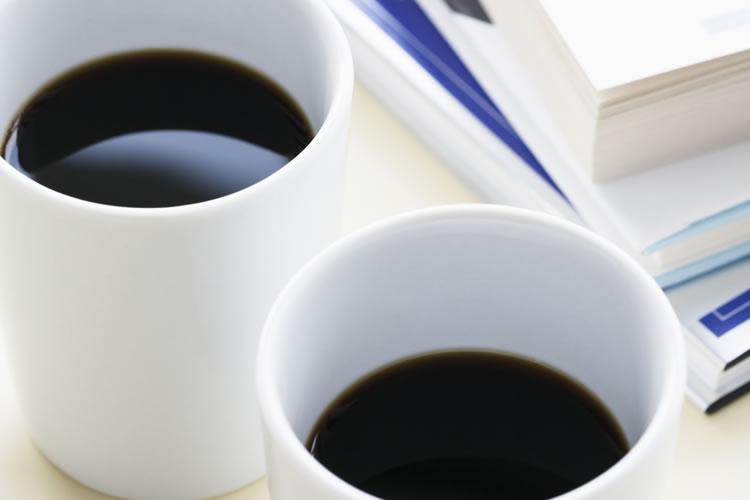 営業先で出されたお茶やコーヒーのいただき方