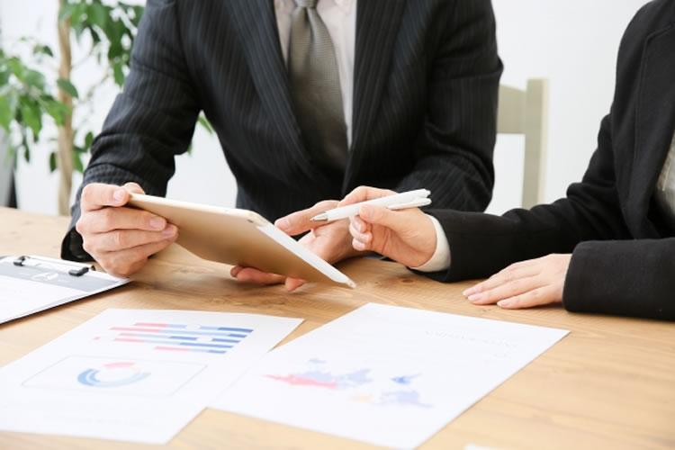 税理士や会計士との打ち合わせが増える