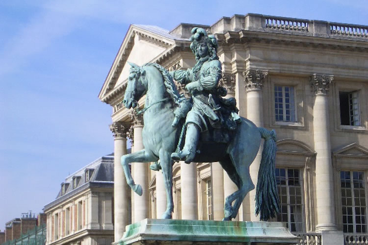 ナポレオンがまたがっている馬の名