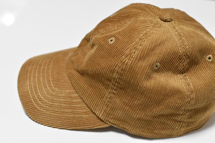 帽子のてっぺんにある突起