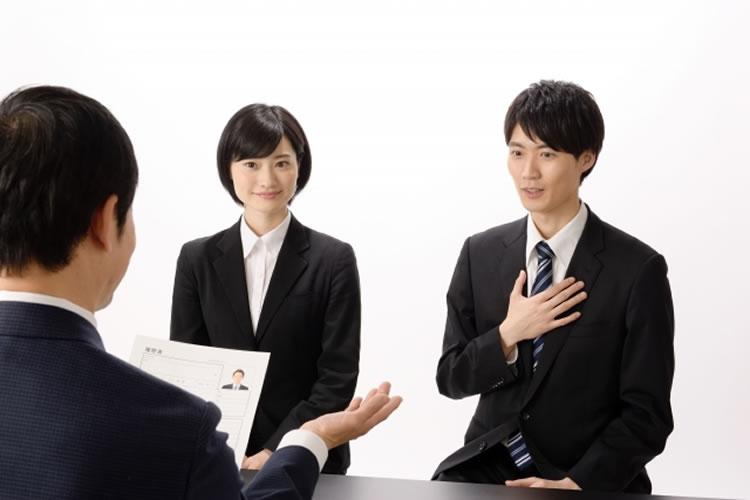 グループ面接で面接官からの質問が自分に集中した