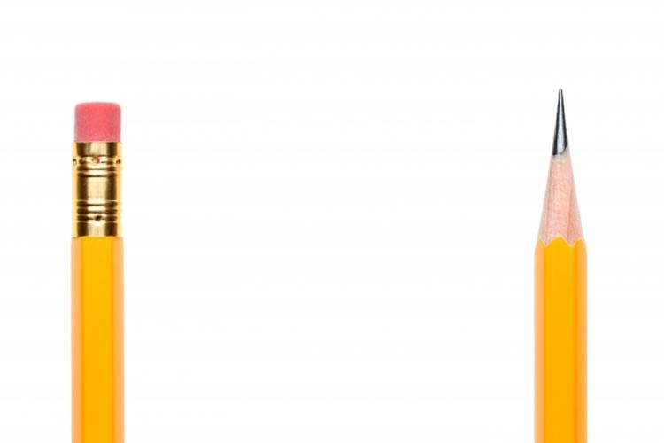 鉛筆と消しゴムをつなげる器具