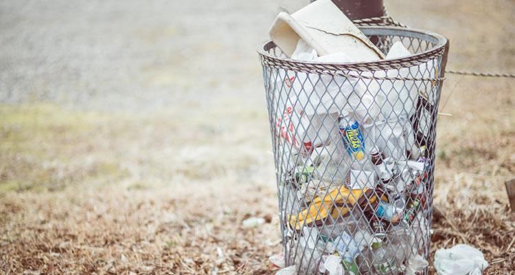 関東ではゴミは「捨てる」、関西ではゴミは「ほかす」