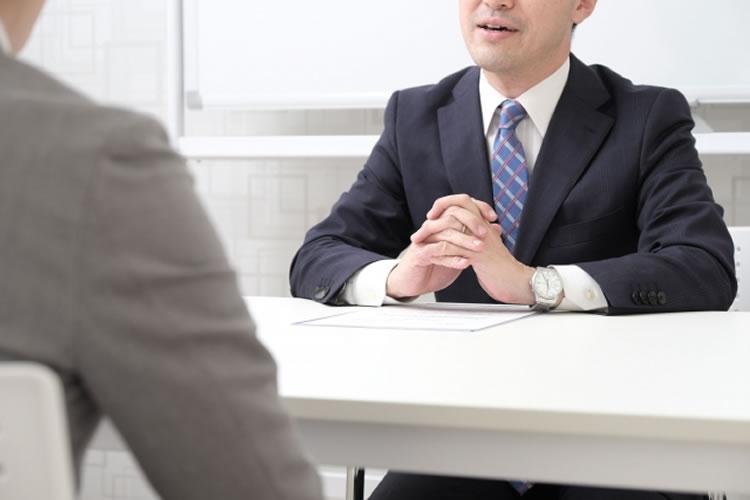 社長など役員と話せる