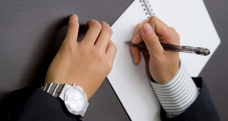 会議資料をキレイにつくらない・場合によっては手書きで作成する