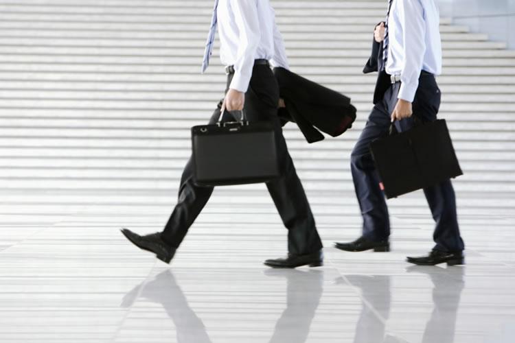 先輩や上司の営業に同行する際の基本とマナー