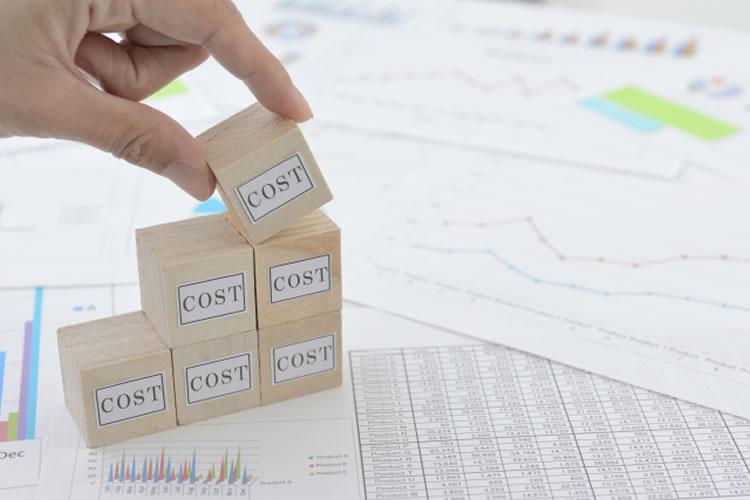 人件費や在庫の管理費などの費用が膨大にかかりやすい