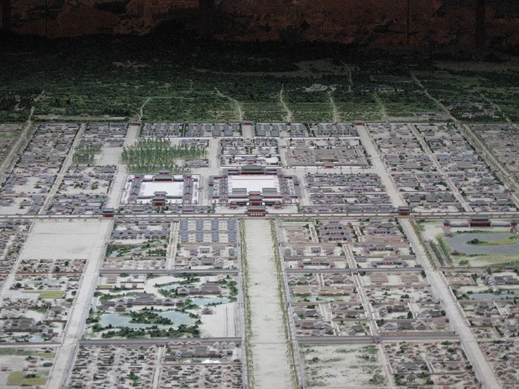 平安京の碁盤の目状の都市
