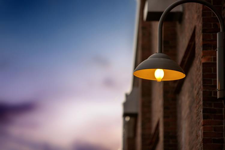 「街灯」と「外灯」の意味と違い