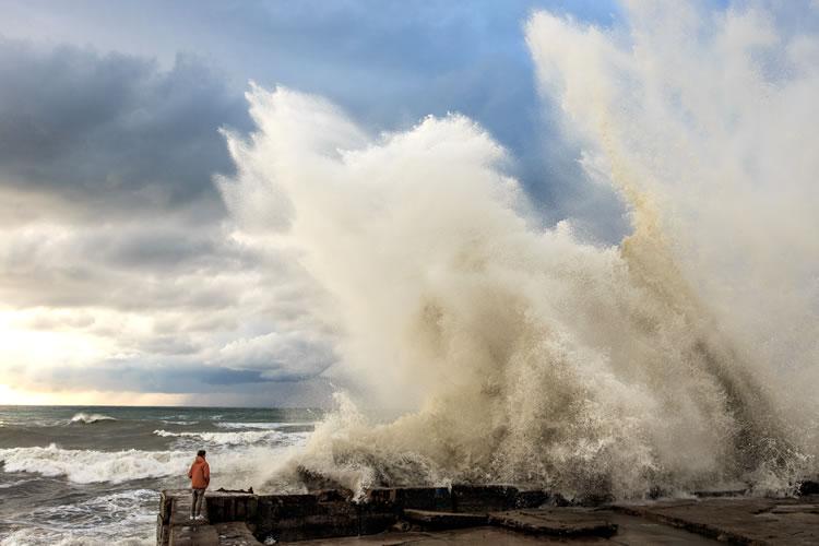 洪水や高波などの水災害が増える
