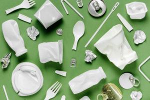 プラスチックごみの削減に取り組んでいる企業