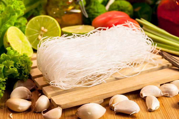 ビーフンとは米粉から作られた麺のこと