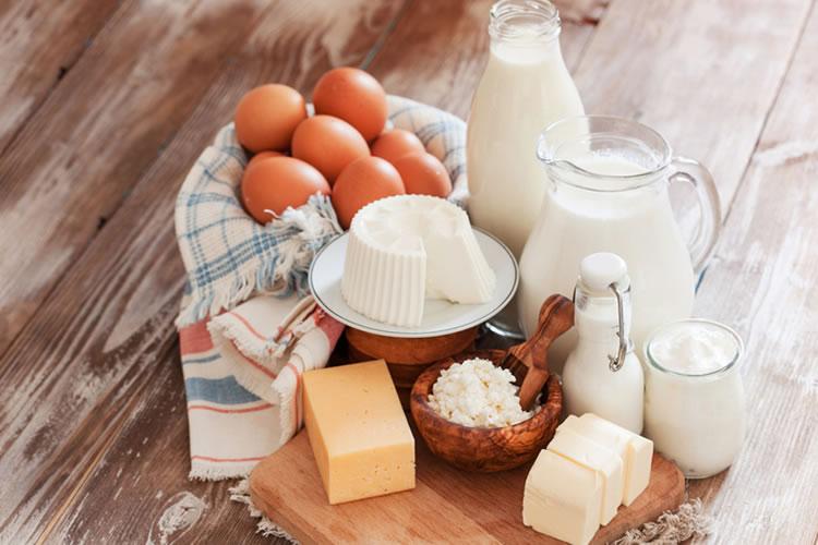 生乳、牛乳、乳製品の意味の違いとは?