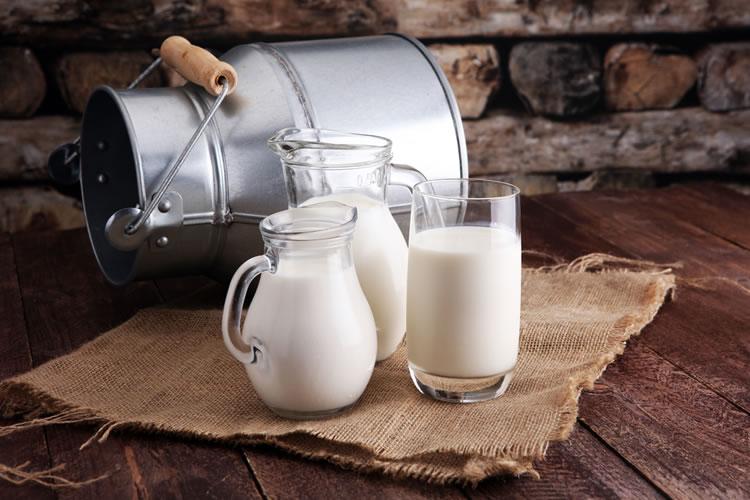 牛乳、加工乳、乳飲料の違いとは?