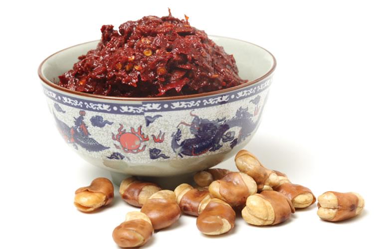 豆板醤は中国四川省で生まれた辛い味噌