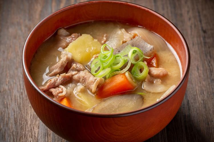 豚汁は豚肉を使った味噌汁の一種