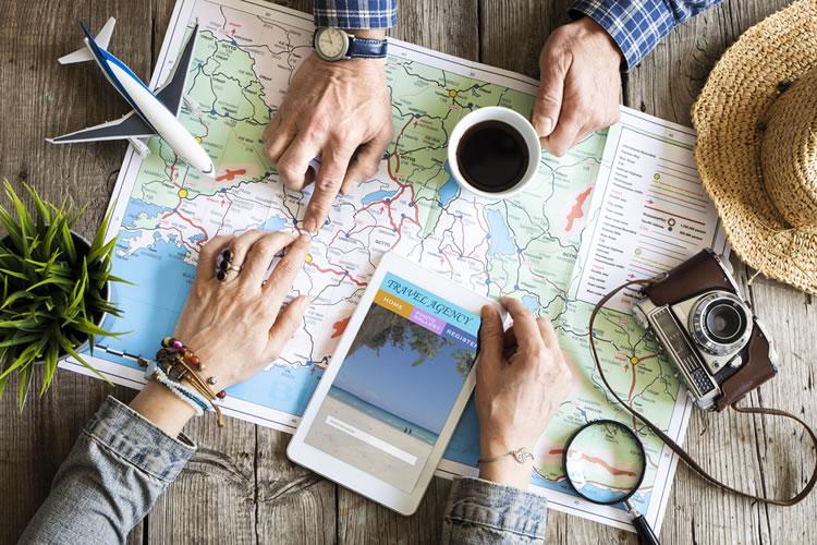 「旅」「旅行」「観光」の意味と違い