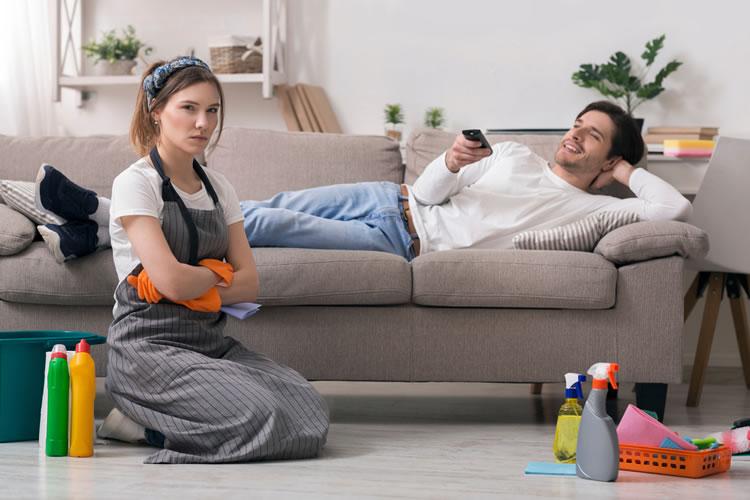 家事をやらない相手だと同棲解消の亀裂につながる