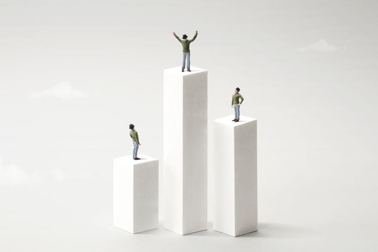 勤続年数が長いと地位の確立や福利厚生で優遇される