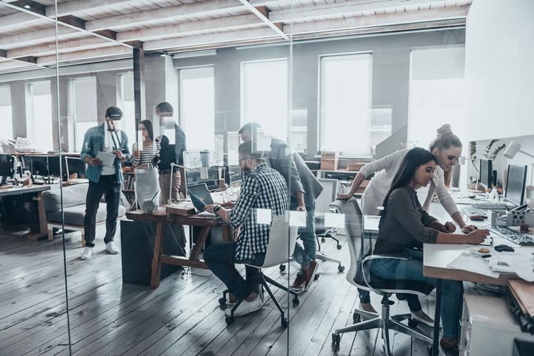 会社独自のローカルルールがあるから業務効率が上がっている