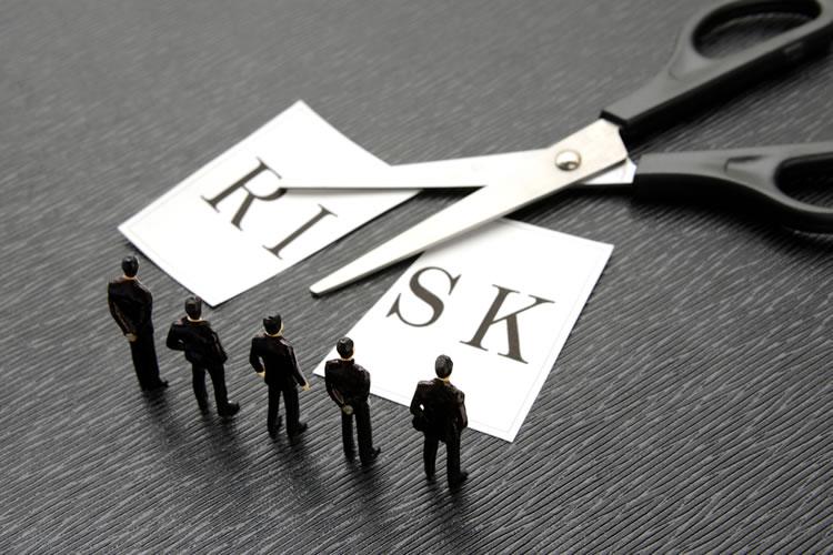 自己資金による株式保有より低リスク