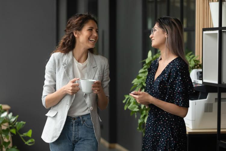 職場で挨拶を積み重ねることであなたの評価も変わる