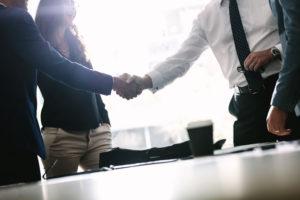 社外取締役の意味とは?目的や社内取締役との違い