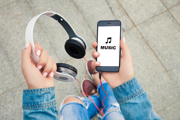 オンラインでの音楽の大量消費