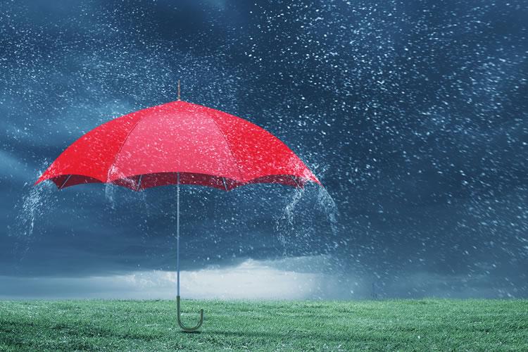 「梅雨」「雨季」の意味と違い