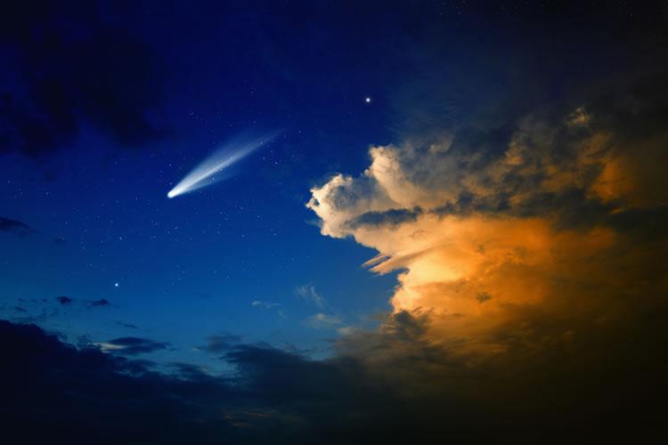「彗星」「流星(流れ星)」「隕石」「小惑星」の意味と違い