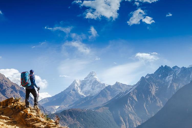 「山」「岳」「峰」の意味と違い