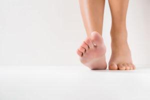 「裸足」「素足」「生足」の意味と違い