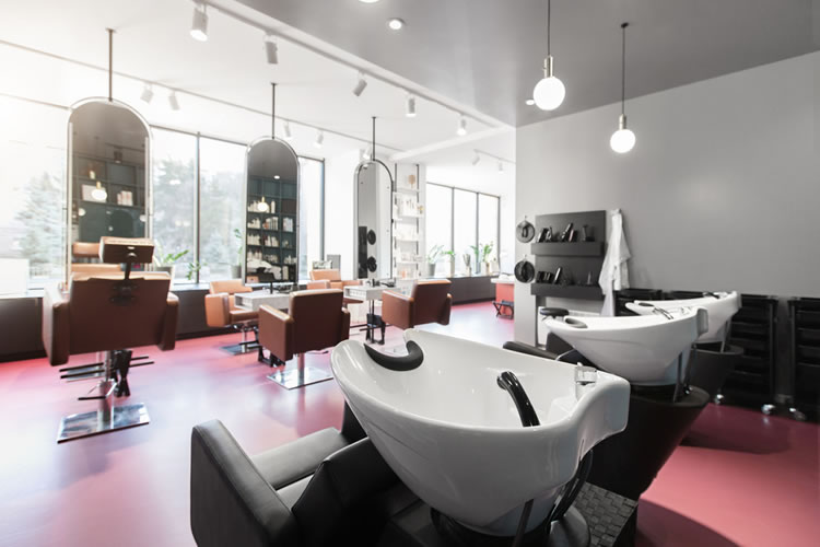 「美容室」「美容院」「床屋」「理髪店」「理容院」「ヘアサロン」の意味と違い